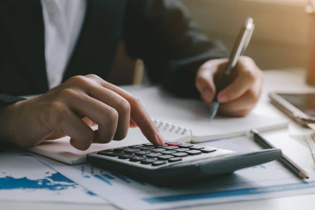 Cálculos de investimentos para declaração do Imposto de Renda