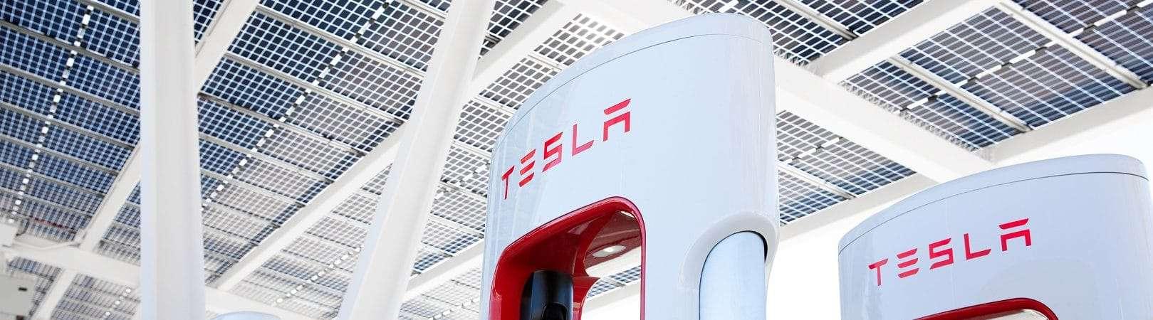 Estação Supercharger da Tesla. Imagem: Tesla/Divulgação