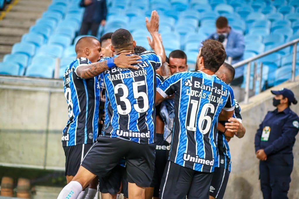 Lance da partida entre Grêmio e Internacional disputada na noite deste sábado, na Arena do Grêmio, válida pelo Campeonato Gaúcho 2021.
