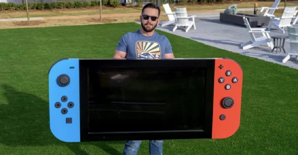 Engineer builds the world's largest Nintendo Switch. Image: Michael Pick / Reproduction