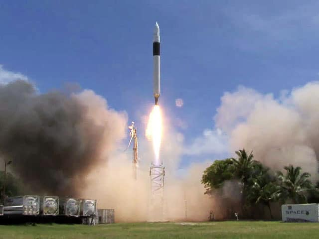 Falcon 1 taking off from SpaceX base on Omelek Island, in the Pacific Ocean. Image: SpaceX