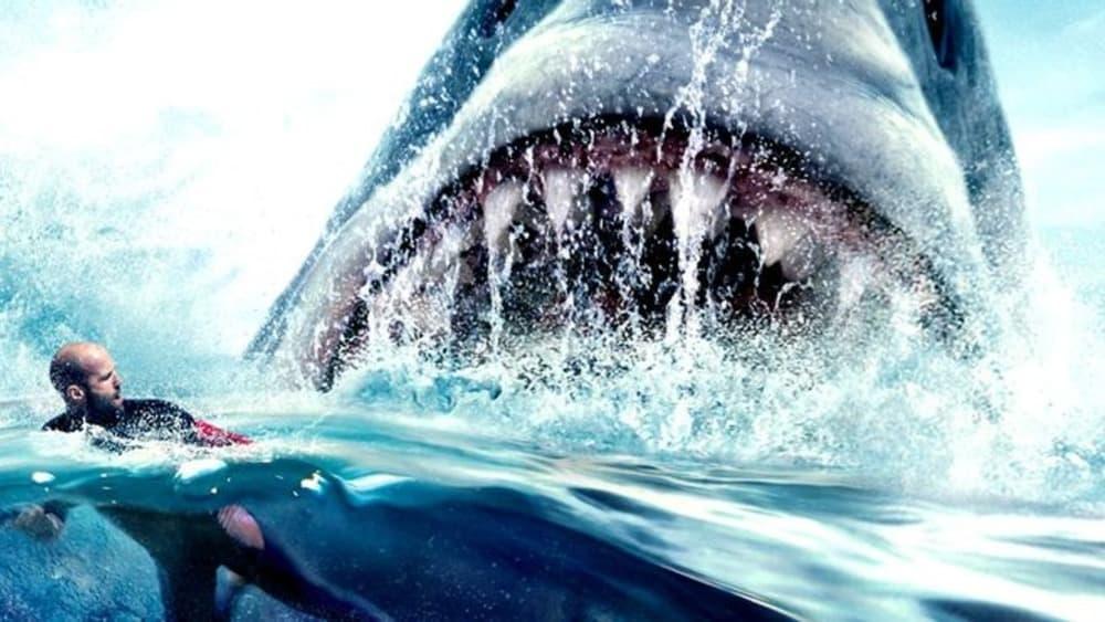 Jason Statham voltará a enfrentar um tubarão gigante em 'Megatubarão 2'. Imagem: Warner Bros./Divulgação