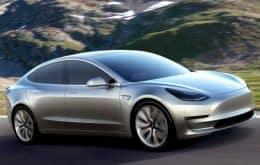 Recall online: carros da Tesla alertam proprietários direto na tela multimídia