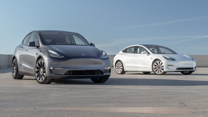 Redução de preços do Model 3 e Model Y ajudaram a Tesla com aumento de lucro. Imagem: TESLA/Divulgação