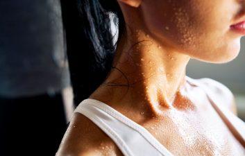 Las gotas de sudor pueden convertirse en electricidad, dice una investigación