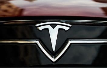 Tesla Helps Police Arrest Suspect of Burning Black Church in the United States