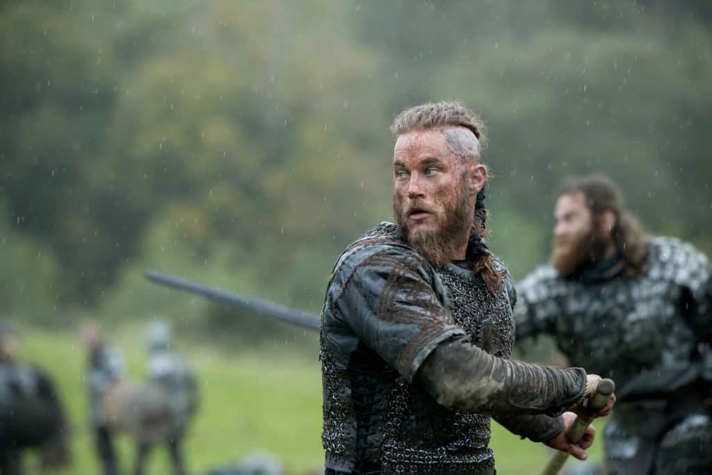 Travis Fimmel como Ragnar Lodbrok em 'Vikings'. Imagem: Fox Studios/Divulgação