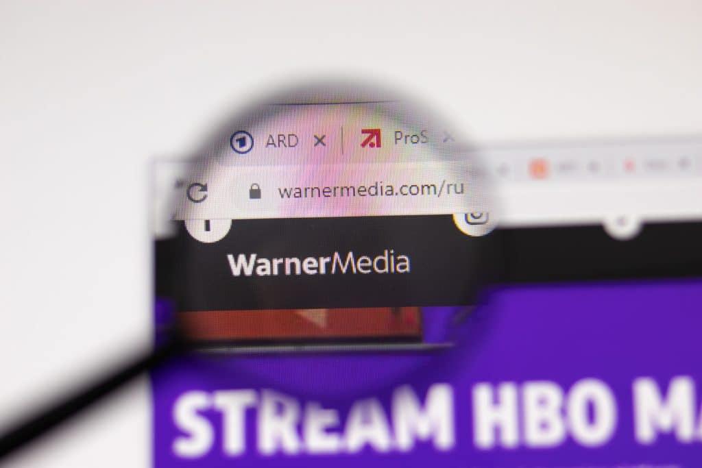 WarnerMedia quer fazer cinco filmes no Brasil. Imagem: Postmodern Studio / Shutterstock.com