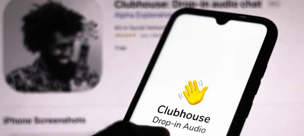 À frente, imagem mostra um smartphone com o logo do aplicativo Clubhouse; ao fundo, uma imagem de uma foto de perfil na rede social