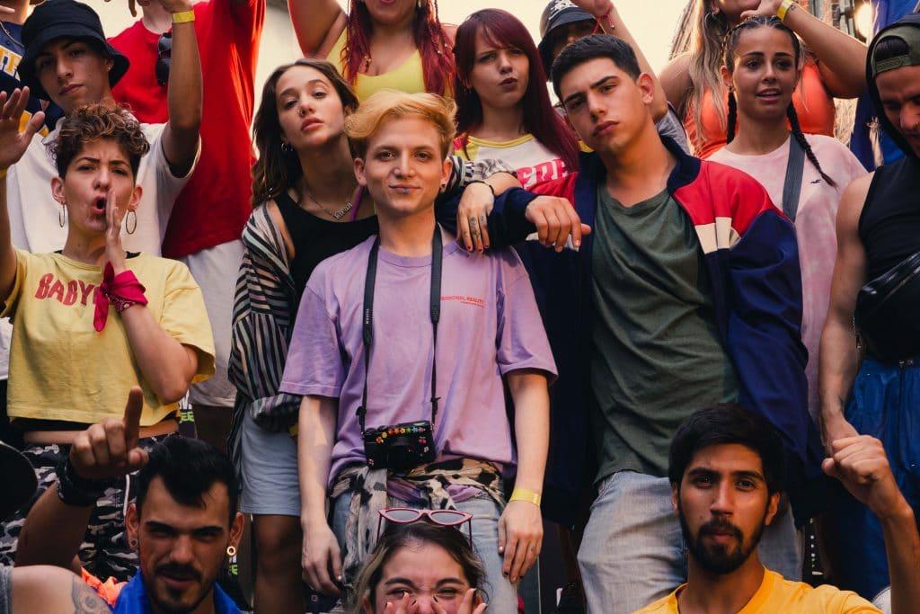 """O drama jovem e musical """"Días de Gallos"""" (Argentina). Imagem: HBO Max/Divulgação"""