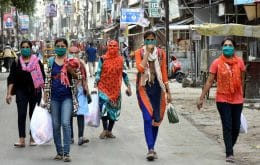 Índia bate recorde mundial de mortes por Covid em um único dia e supera EUA