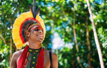 Brasil nativo: Motorola inclui duas línguas indígenas nos smartphones com Android 11