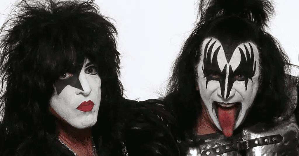 """Imagem mostra Paul Stanley (esquerda) e Gene Simmons (direita), membros da banda KISS, que farão parte da produção do filme """"Shout It Loud"""", que conta a história do grupo de rock"""