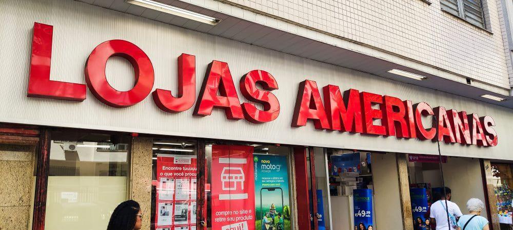Imagem mostra a fachada de uma das lojas físicas da Lojas Americanas