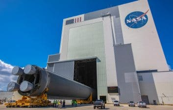 Electricity in space: NASA tests electric propulsion to be used on the lunar station