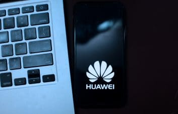Malware in Huawei's app store infected 538 cell phones, report says