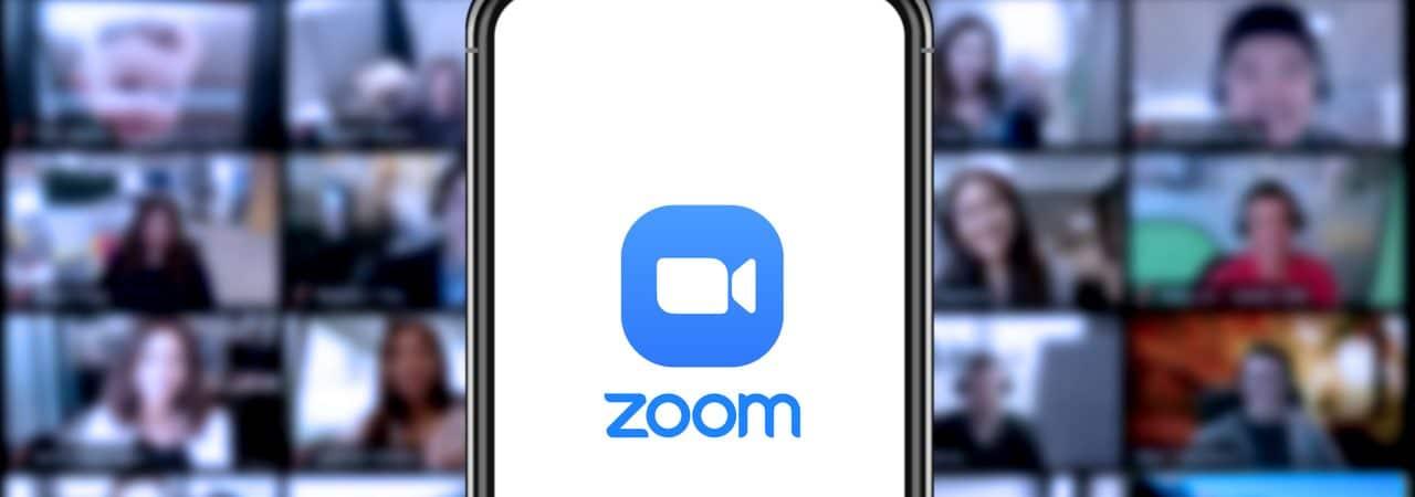 Aplicativo Zoom aberto em smartphone