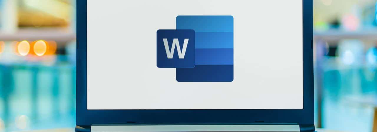 Microsoft Word aberto em um notebook