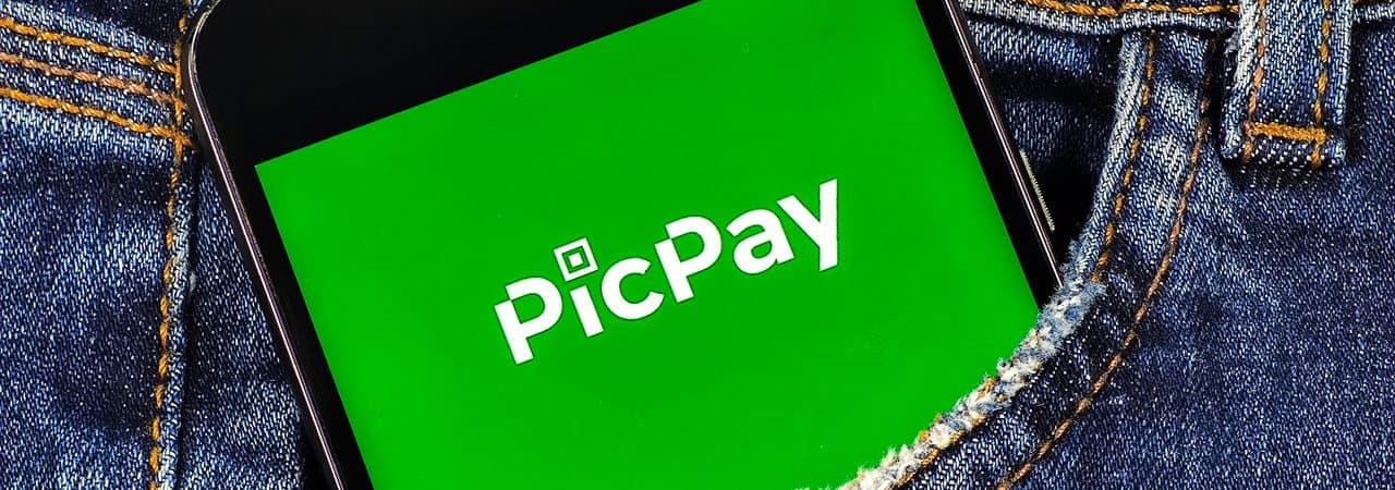 App PicPay exibido em smartphone