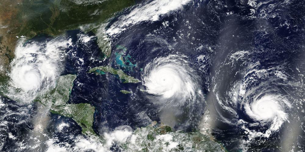 Visão geral de três furacões: Irma, José e Katia