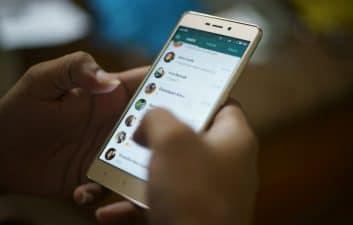 WhatsApp Rosa? Una nueva estafa podría tomar el control de los teléfonos celulares afectados