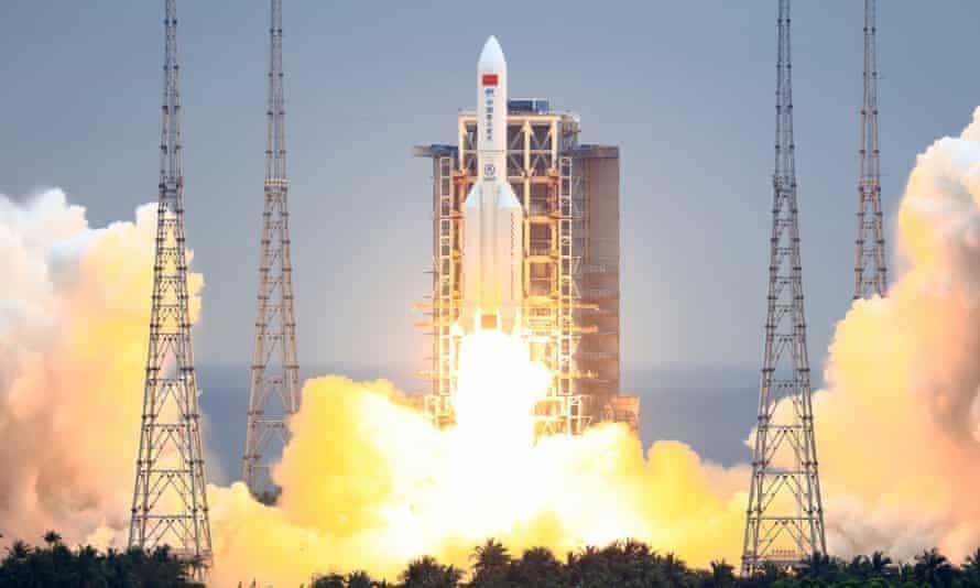 Lanzamiento del cohete Long March 5B en China. Imagen: CSA / China