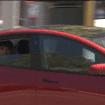 Prometido y cumplido: después de ser liberado, el hombre es atrapado nuevamente en el asiento trasero en piloto automático