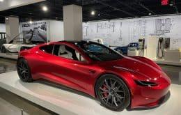 """Elon Musk diz que Roadster usará """"pacote da SpaceX"""" para aceleração extrema"""