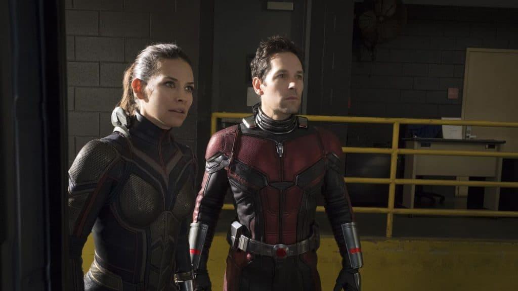 Evangeline Lilly e Paul Rudd caracterizados, respectivamente, como Vespa e Homem-Formiga
