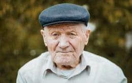 OMS quer classificar velhice como doença; especialistas criticam