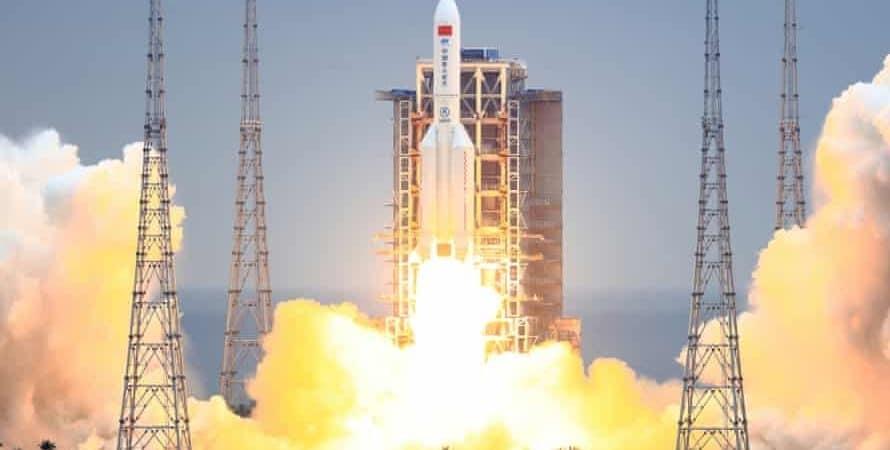 Lancamento-do-foguete-Longa-Marcha-5B-na-China_Imagem-CSA-China-890x450