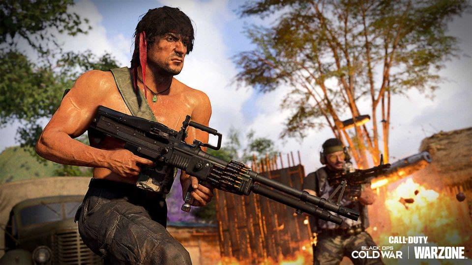 Rambo em cenário de Call of Duty.