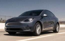 Teimoso e imprudente: Mais uma vez, jovem americano circula com Tesla sem motorista