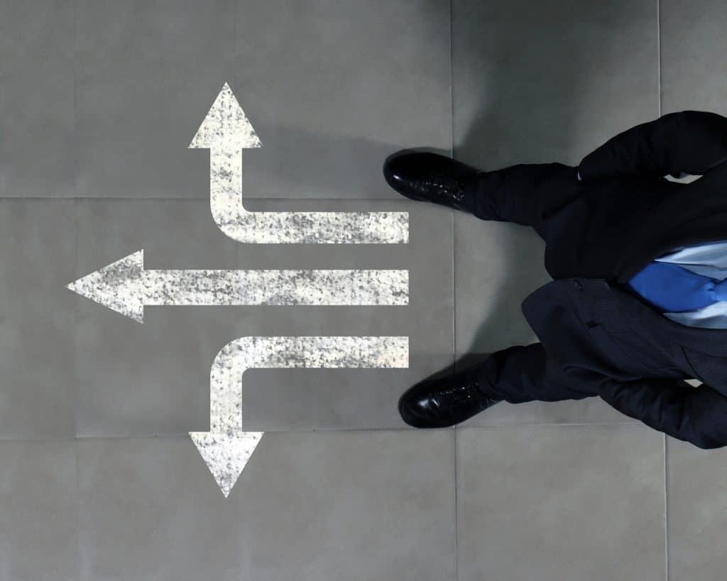 Ilustração de emprego que exige tomadas de decisão
