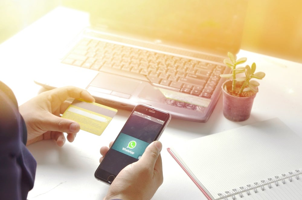 WhatsApp libera recurso de pagamentos pelo aplicativo. Imagem: Shutterstock