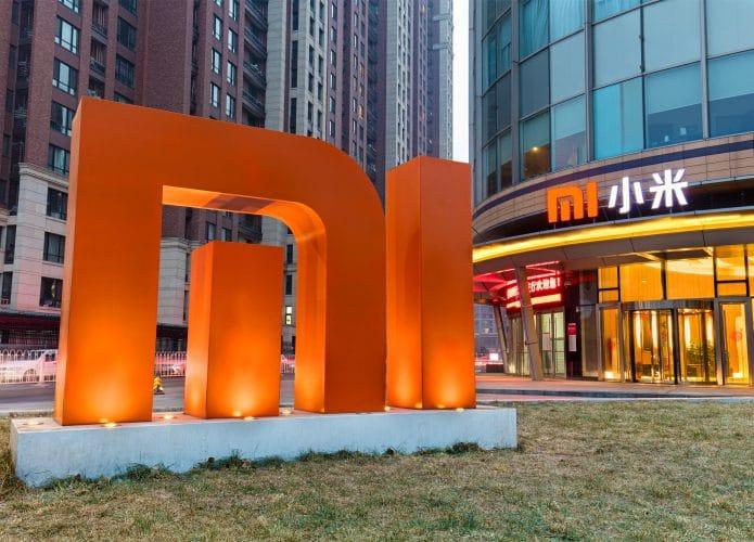 """Gigante chino en el mercado de teléfonos inteligentes, Xiaomi actúa """"detrás de escena"""" para ingresar al mercado de automóviles. Imagen: testing / Shutterstock.com"""