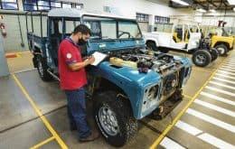 Land Rover abre taller de restauración de coches antiguos en Brasil