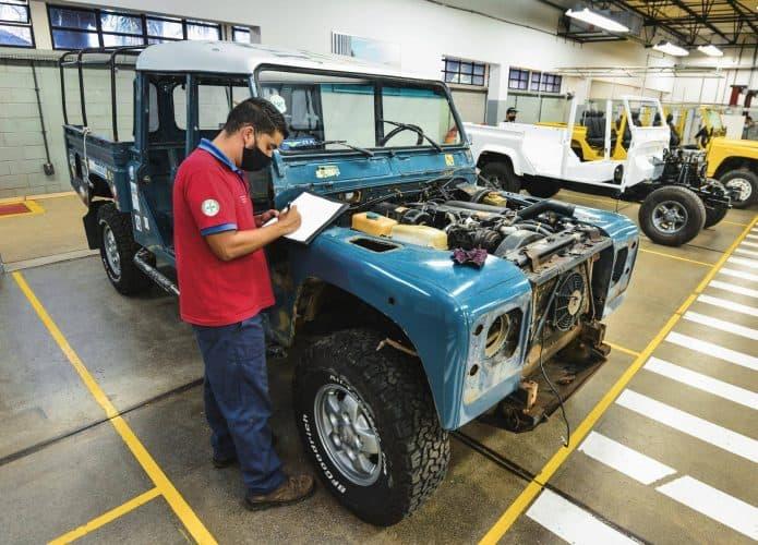 Land Rover Brasil restaurará los autos viejos en la fábrica. Imagen: Divulgación