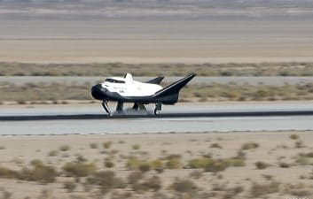 Cargo spacecraft to use former NASA airstrip