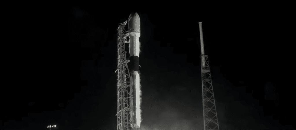Falcon 9 em seu décimo voo