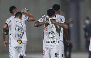 Cómo los gases lacrimógenos afectan a los futbolistas en los partidos de la Libertadores