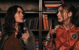 Karen Gillan em ação no trailer de 'Gunpowder Milkshake'