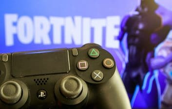 Sony charges royalties to allow crossplay on PlayStation