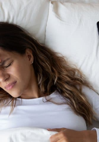 National month to combat headache: how to avoid headaches caused by technology?