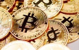 Após semana turbulenta, bitcoin opera com leve alta nesta segunda-feira