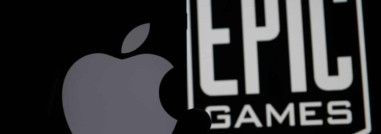 Logo da Apple ao lado de logo da Epic Games