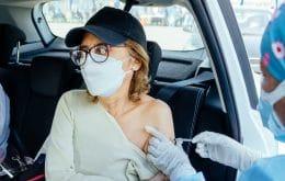 ¿Por qué algunas personas experimentan efectos secundarios después de tomar la vacuna Covid-19?
