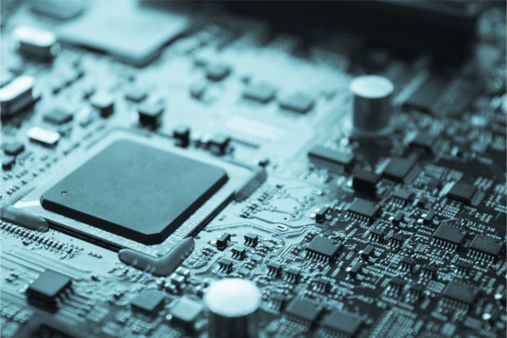 Imagem mostra um processador acoplado em sua placa