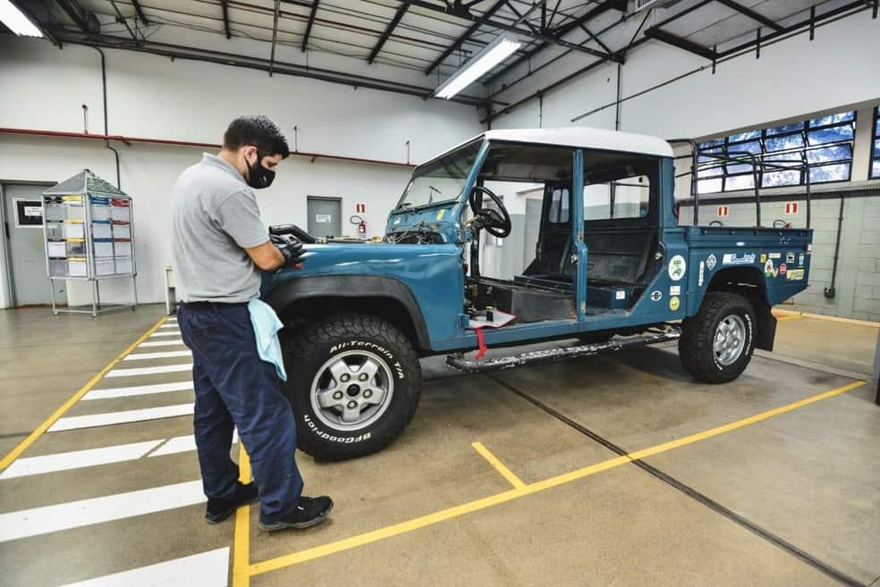 Land Rover Brasil vai restaurar carros antigos em fábrica. Imagem: Divulgação