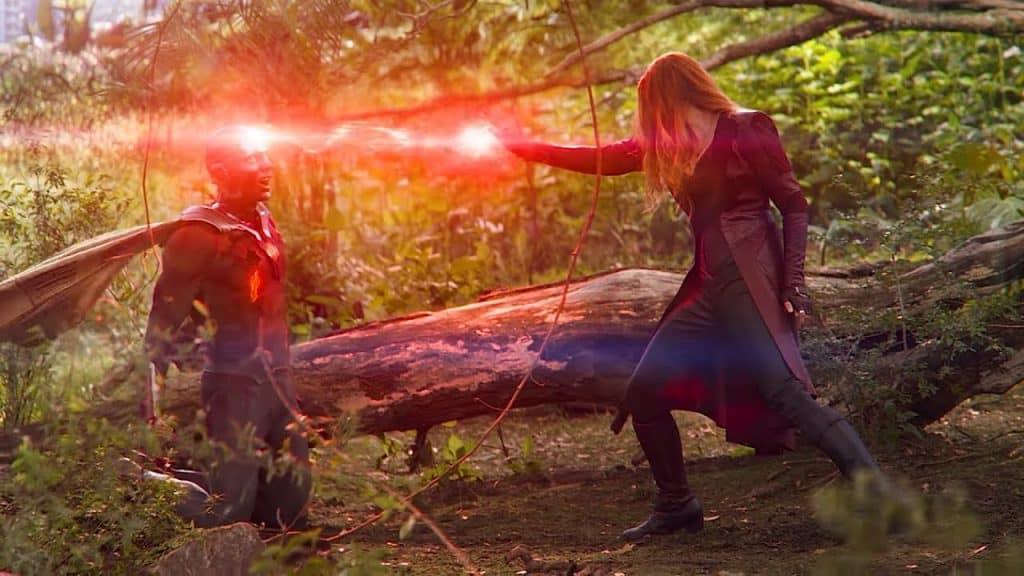 Em cena emocionante, Wanda destrói Visão. Imagem: Marvel Studios/Divulgação